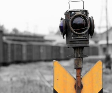 铁路信号灯的分类及含义