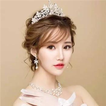 2017韩式新娘发型教程 新娘当天造型介绍图片